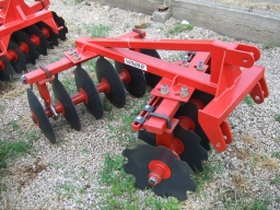 Tárcsák kerti traktorokhoz